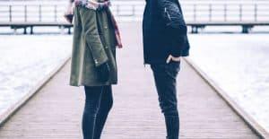 זוג משוחח